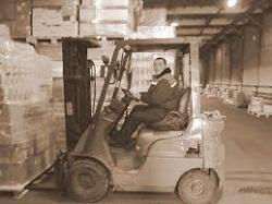 Обязанности начальника склада и кладовщика